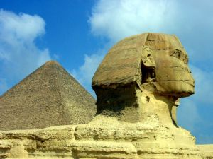 73404_sphinx_and_pyramids